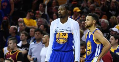 Durant and Curry both donated $10,000 to Kaepernick's 'Million Dollar Pledge'