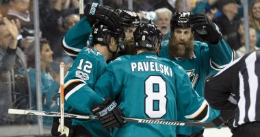 Sharks even series with 7-0 win over Edmonton in Game 4
