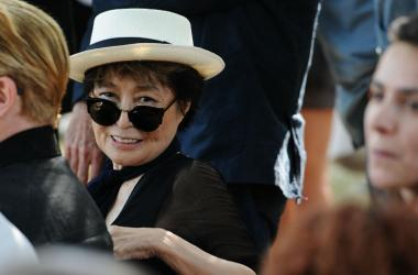 Yoko Ono attends the unveiling of the John Lennon Amnesty International tapestry at a ceremony near the American Immigrant Wall of Honor at the Ellis Island Nation Museum of Immigration in New York, NY, on July 29, 2015, on the 40th Anniversary of John Le