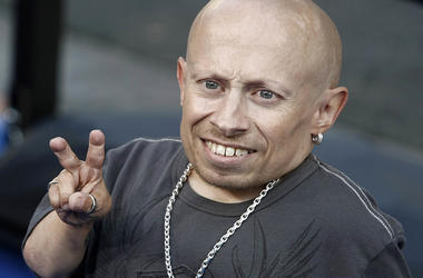 """In this June 11, 2008 file photo, actor Verne Troyer poses on the press line at the premiere of the feature film """"The Love Guru"""" in Los Angeles. Troyer from the """"Austin Powers"""" movie franchise has died. A statement provided by Troyer's representatives tha"""