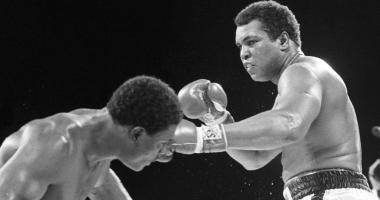 Muhammad Ali (right) fights Trevor Berbick at the Queen Elizabeth Sports Centre. Berwick defeated Ali in ten rounds by unanimous decision and was Ali's last professional fight.