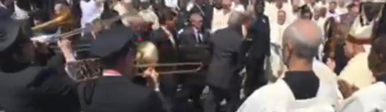 Watch: Mourners send Tom Benson off in New Orleans style