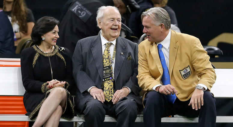 Watch: Hall of Famer Morten Andersen gets emotional as he remembers Tom Benson
