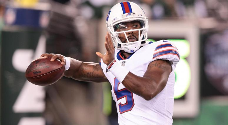 Nov 2, 2017; East Rutherford, NJ, USA; Buffalo Bills quarterback Tyrod Taylor (5) warms up before his game against the New York Jets at MetLife Stadium.