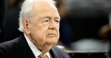 Saints, Pelicans owner Tom Benson hospitalized with flu-like symptoms