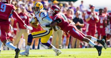 Second half offensive surge pushes LSU past Arkansas, 33-10