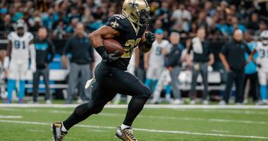 Dec 3, 2017; New Orleans, LA, USA; New Orleans Saints running back Mark Ingram (22) breaks loose for long gain against the Carolina Panthers during the second quarter at the Mercedes-Benz Superdome