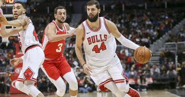 Jan 20, 2018; Atlanta, GA, USA; Chicago Bulls forward Nikola Mirotic (44) drives to the basket against the Atlanta Hawks in the first quarter at Philips Arena.