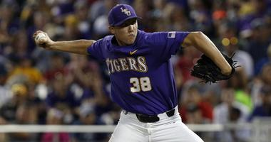 Notre Dame roughs up Zack Hess, defeats LSU 10-5 to force rubber match