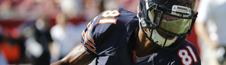 Nov 13, 2016; Tampa, FL, USA; Chicago Bears wide receiver Cameron Meredith (81) works out prior to the game at Raymond James Stadium.