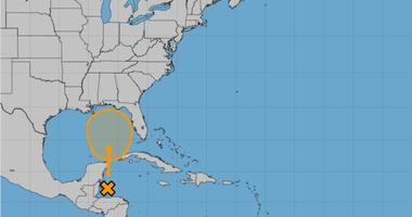 Low pressure area heads toward Gulf, 40% chance of tropical development