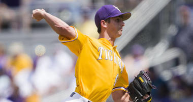 Aggies score 5 in the 1st inning and cruise to easy win over Tigers