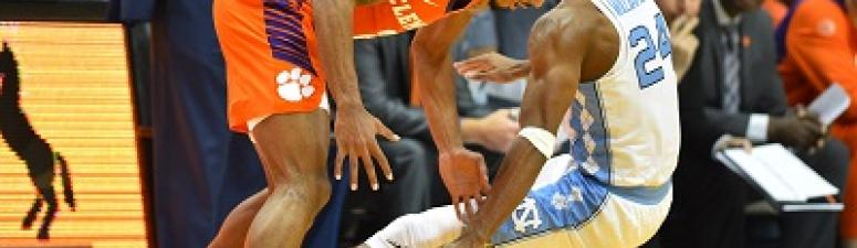 North Carolina Downs Clemson 87-79