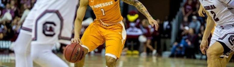 Tennessee Downs South Carolina 70-63