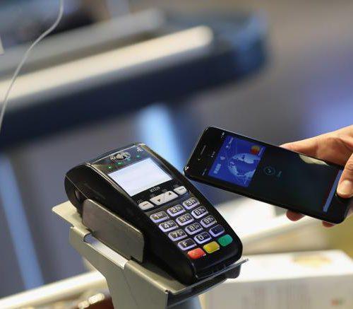 I terminali POS Ingenico accettano Apple Pay in Italia