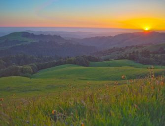 春天來了,讓我們一起去這些美景如畫的山上徒步旅行吧!