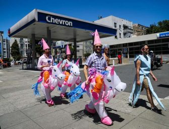 Bay to Breakers 昨天舉行,舊金山居民將演出服穿出了各種新意
