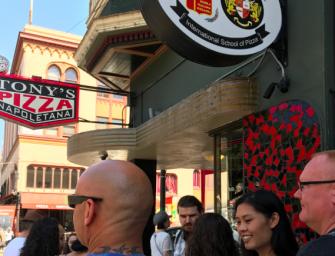 舊金山最好吃的Pizza出現了!老字號不只吃美食也吃氣氛!