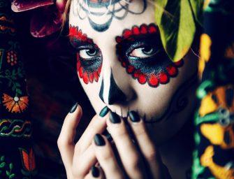 不想要萬聖節這麼早結束?一起來慶祝墨西哥亡靈節吧!
