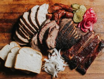 【美食速遞】誰說只有德州才有好的 BBQ?我們灣區也能吃到最正宗的美式燒烤!