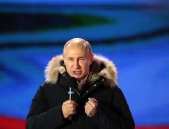在选举舞弊指责声中,初步结果显示普京当选连任