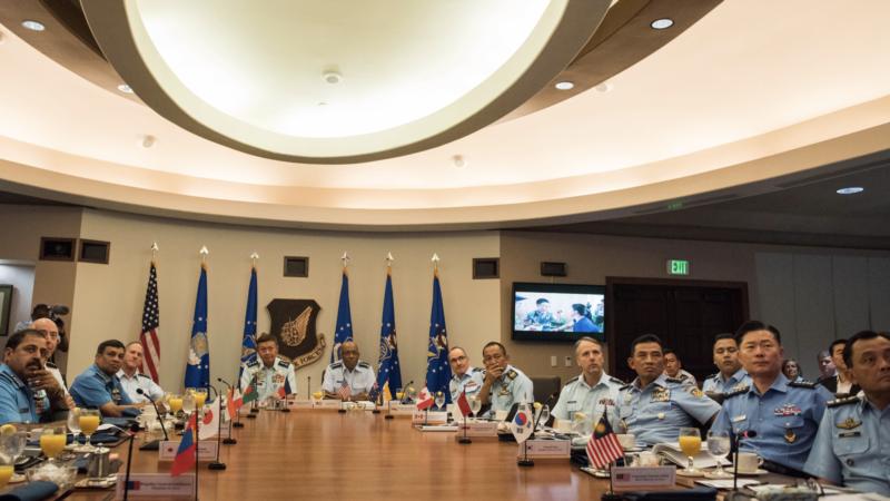 印太18国空军指挥官及代表聚集夏威夷 美国称彰显共同愿望应对中国