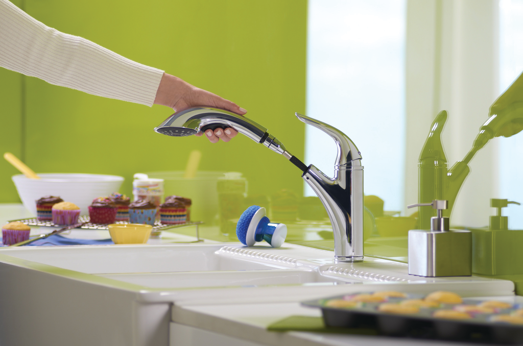 Antioch pull out kitchen faucet for residential pros for Danze inc