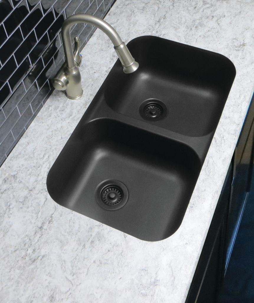 Quartz composite sink for residential pros for Quartz integrated sink