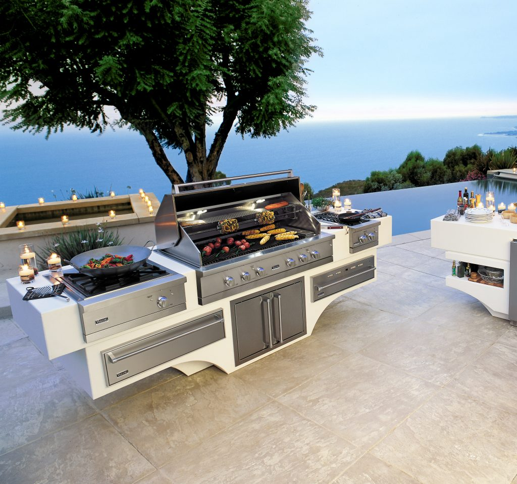 Professional outdoor grills for residential pros for Viking professional outdoor grill