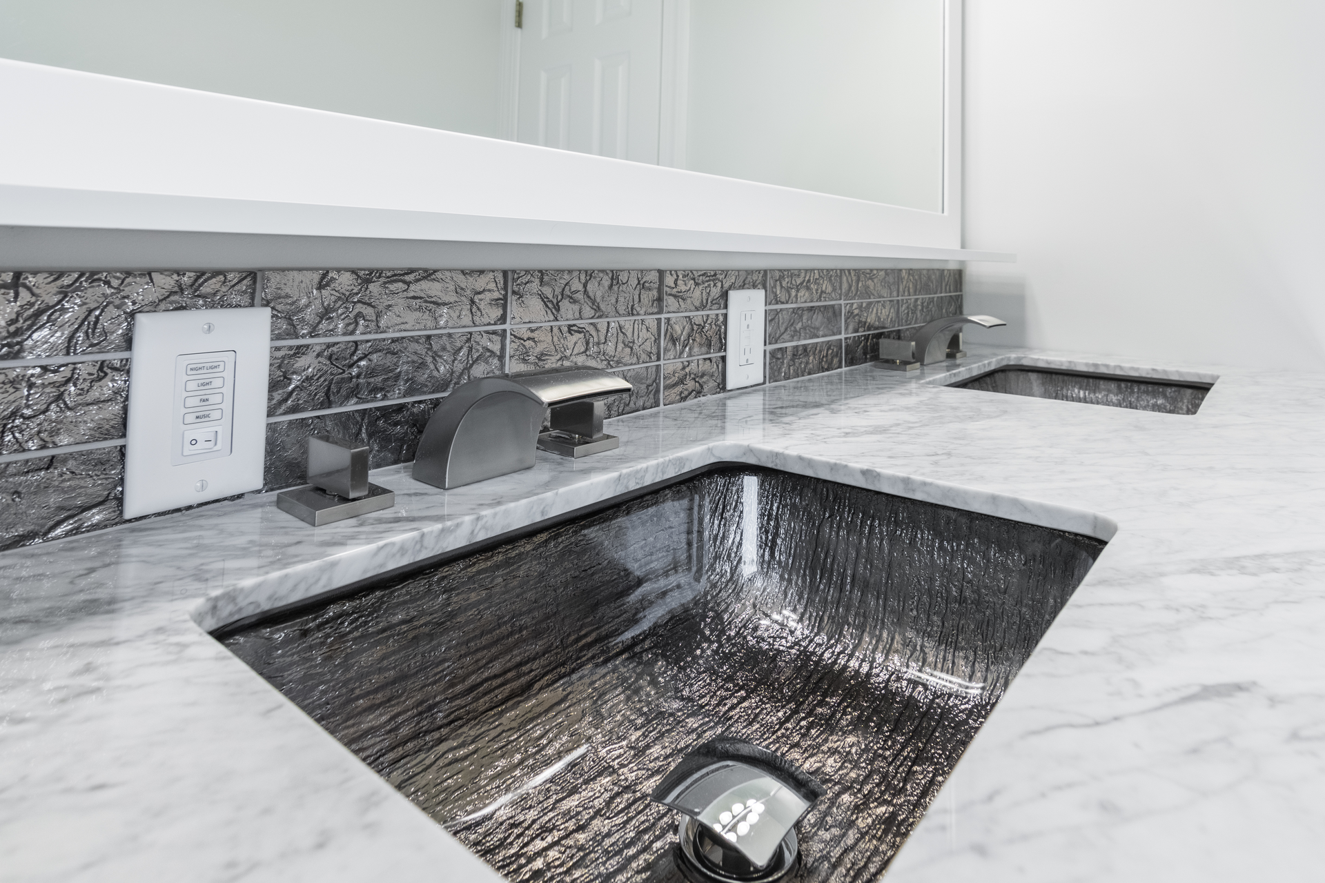 Rectangle Glass Undermount Sink For Residential Pros