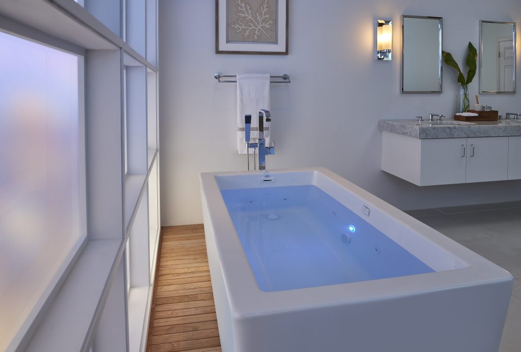 Bianca Freestanding Whirlpool Tub | For Residential Pros