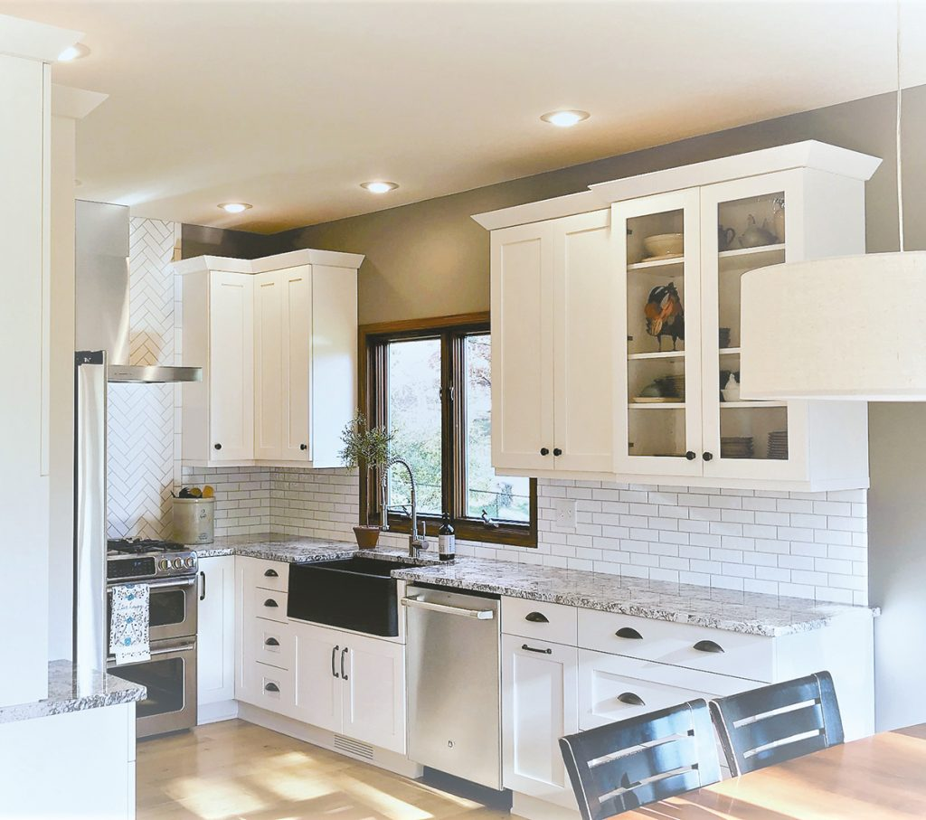 Superieur Keslie Muhlenbruch Designed This Open Layout Kitchen With A Fresh, Airy  Feel. Featuring Dark Tones And Sleek Style, Keslie Chose A BLANCO Ikon Sink  And ...