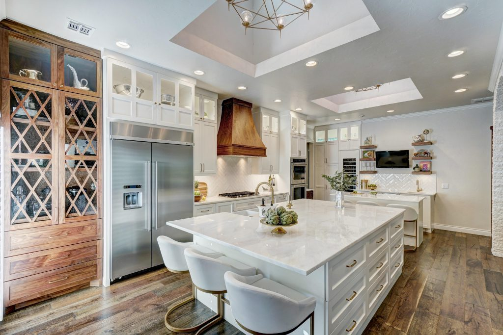 Photos: Caleb Collins Multiple Focal Point Elements Vie For Attention In  This Kitchen Designed By Valerie Helgeson, But The Most Prominent Is The  Custom ...