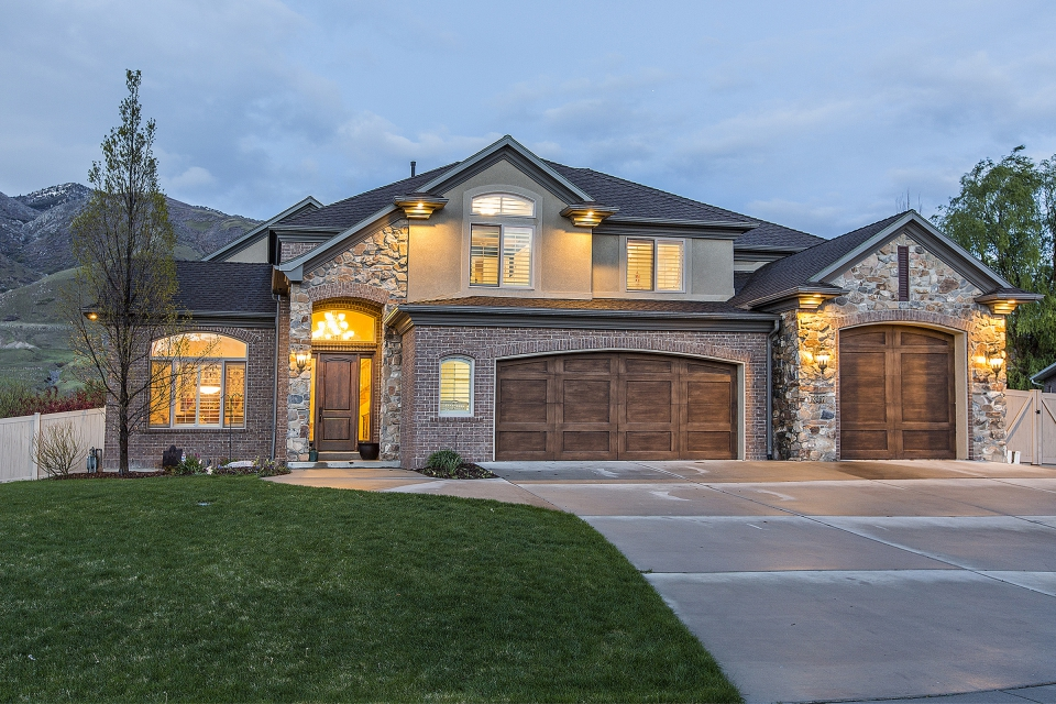 JUST LISTED! EXTRAORDINARY DRAPER AKAGI FARMS LUXURY HOME- GET THE FIRST LOOK!
