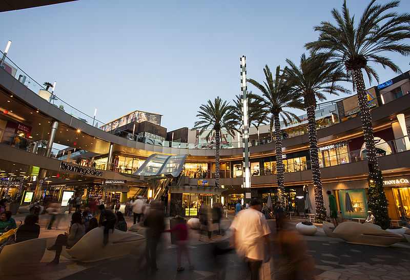 800px-Santa_Monica_Place_Macerich