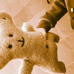 Iubi é um ursinho de pelúcia inteligente que levou inovação e criatividade no tratamento de câncer