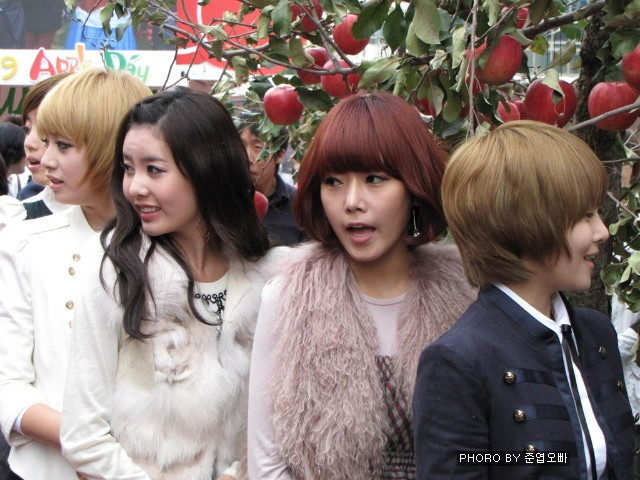 [TIARADIADEM.COM] Apple Day Parade (10.21) -- 053.jpg