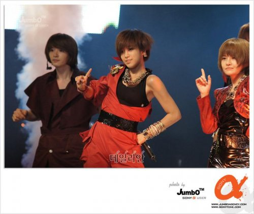 [TIARADIADEM.COM]Cyworld Digital Music Awards (2009).jpg