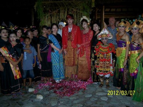 Indonesian marriage 8 (03/07)