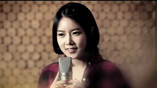CAPS Song For You MV - Soyeon (04/28) -- 049