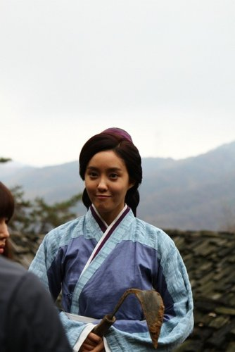 [TIARADIADEM.COM] More pics from Gyebaek (11.08)
