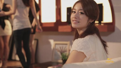 [TIARADIADEM.COM] Jiyeon In Shake It Up MV   Shake It Up   Seo In Guk (17)(08/10)