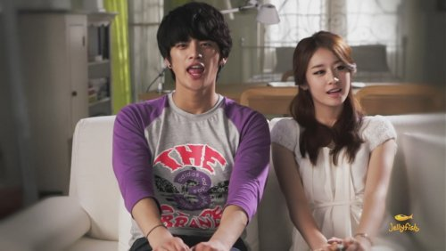 [TIARADIADEM.COM] Jiyeon In Shake It Up MV   Shake It Up   Seo In Guk (37)(08/10)