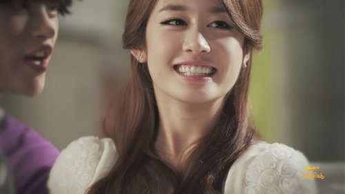 [TIARADIADEM.COM] Jiyeon In Shake It Up MV   Shake It Up   Seo In Guk (26)(08/10)