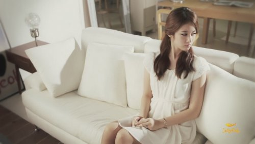 [TIARADIADEM.COM] Jiyeon In Shake It Up MV   Shake It Up   Seo In Guk (16)(08/10)