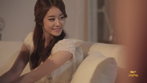 [TIARADIADEM.COM] Jiyeon In Shake It Up MV   Shake It Up   Seo In Guk (19)(08/10)