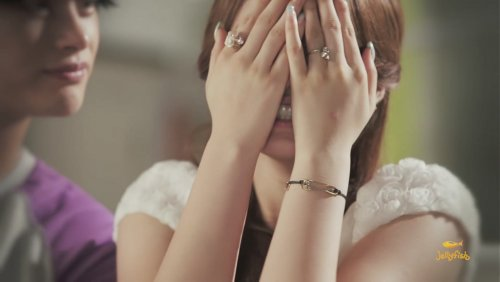 [TIARADIADEM.COM] Jiyeon In Shake It Up MV   Shake It Up   Seo In Guk (27)(08/10)