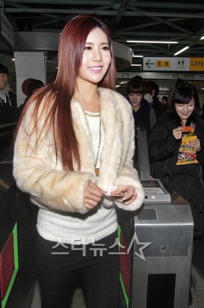 T-ara at Subway (01/2012)