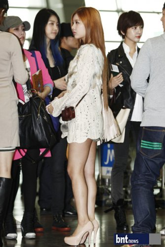 [TIARADIADEM.COM] T Ara At Incheon International Airport Departure For Europe (04.10)096