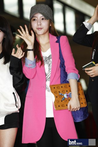 [TIARADIADEM.COM] T Ara At Incheon International Airport Departure For Europe (04.10)093